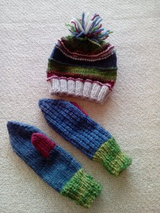 gloves and hat small lady - 300kr